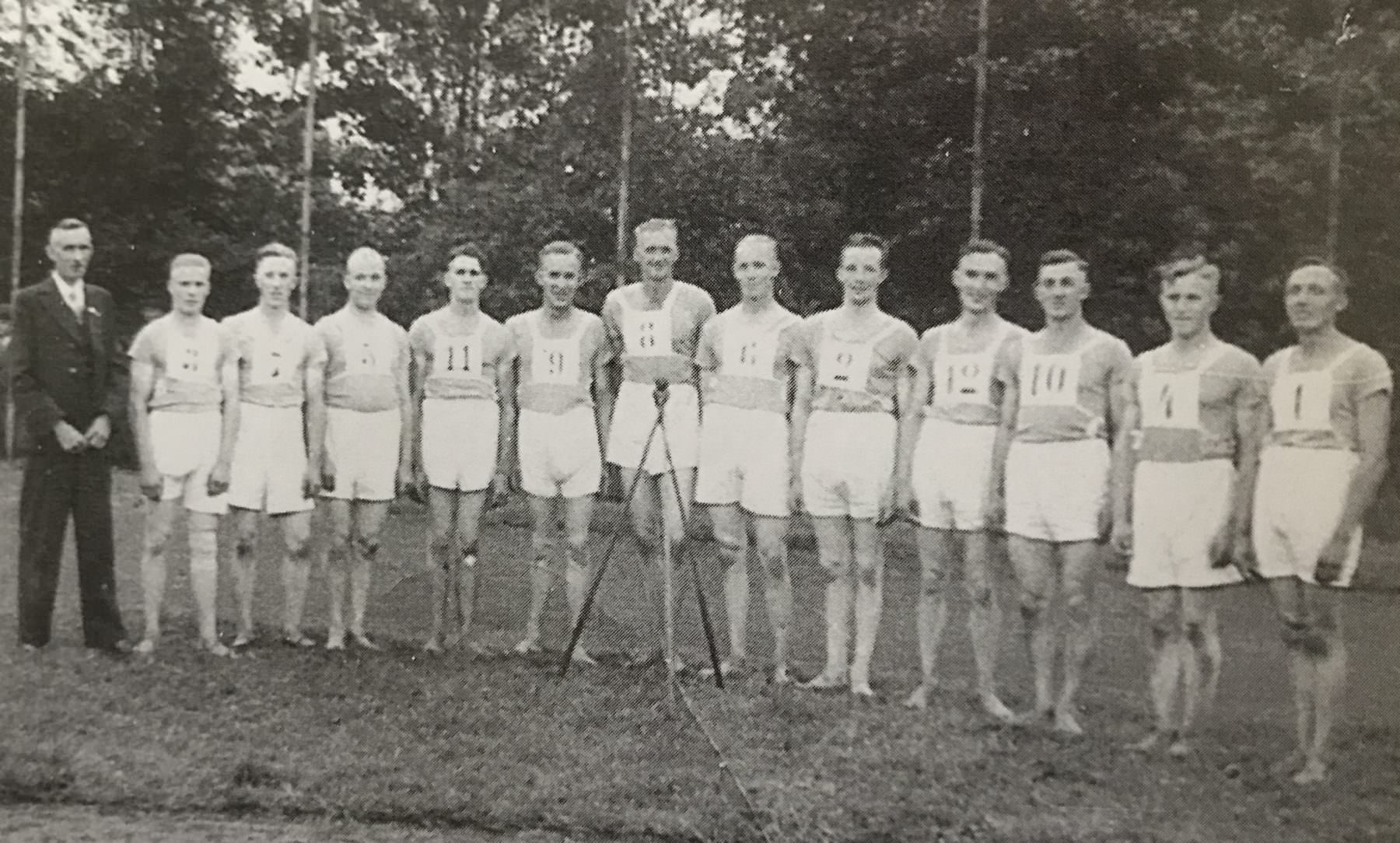 Schlagballmannschaft 1938 – 5. Platz Deutsche Meisterschaft in Hamburg